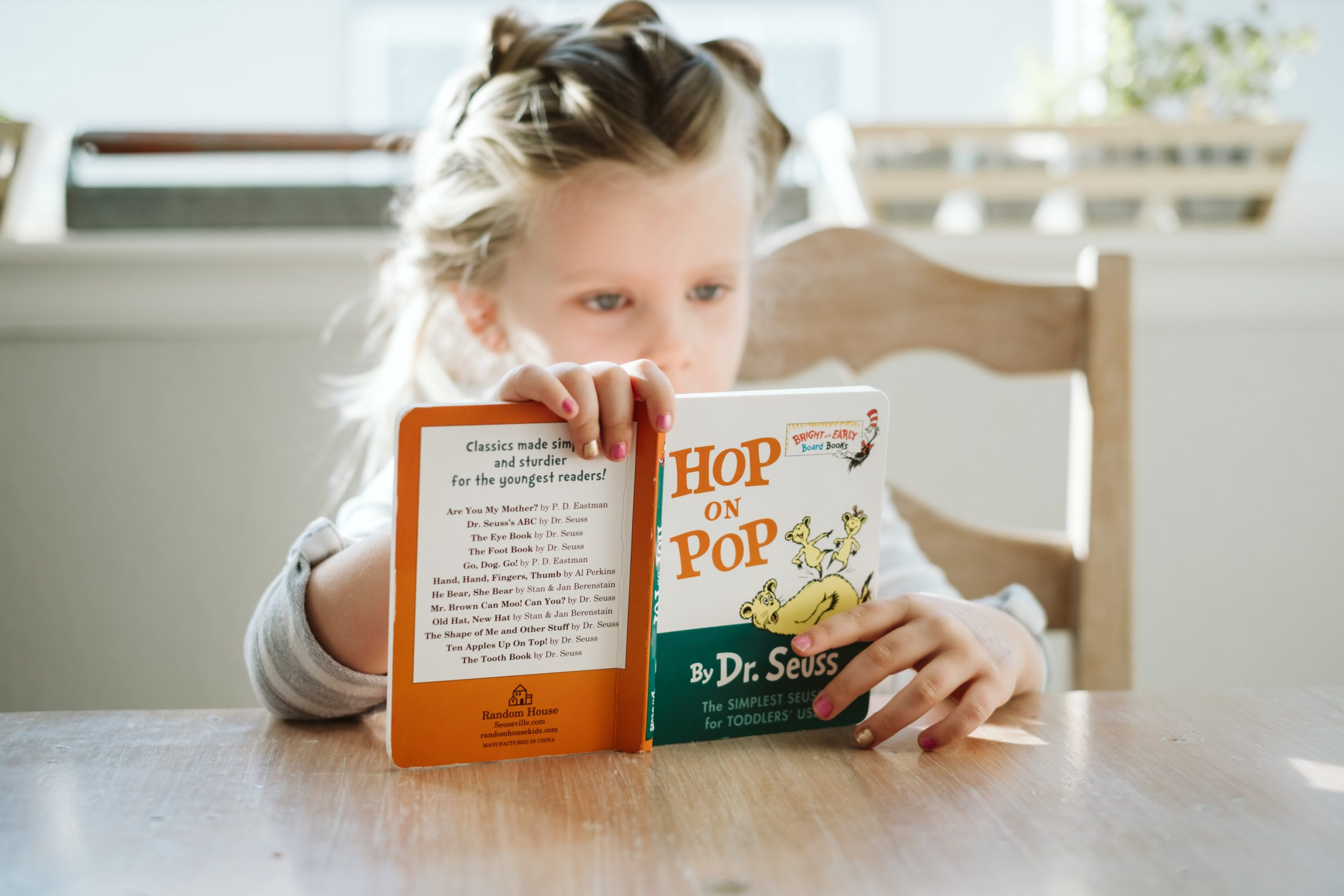 L'apprentissage de l'anglais pour voir grandir vos enfants dans le monde qui les entoure